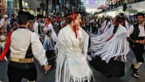 Desfile folclórico internacional