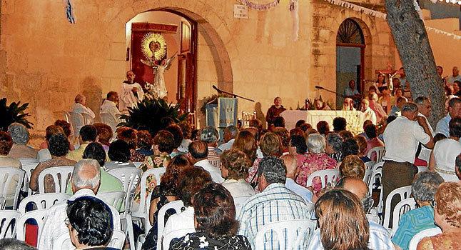 Feligreses rinden culto a la Virgen de Orito.